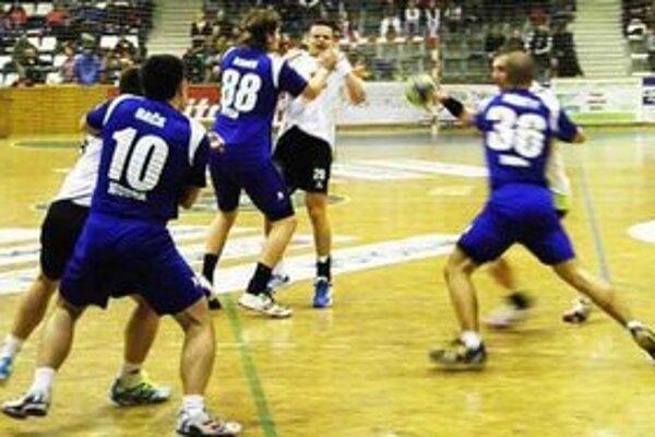 Ilustračná fotografia Z predchádzajúceho zápasu v N. Zámkoch.