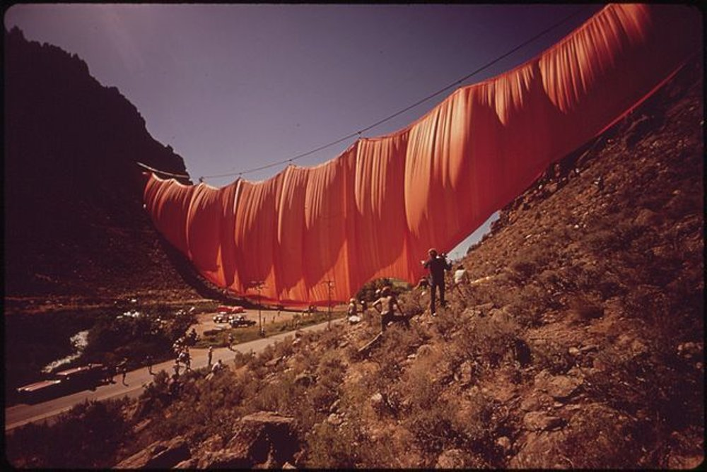 Upevňovanie Záclony cez údolie, 1972