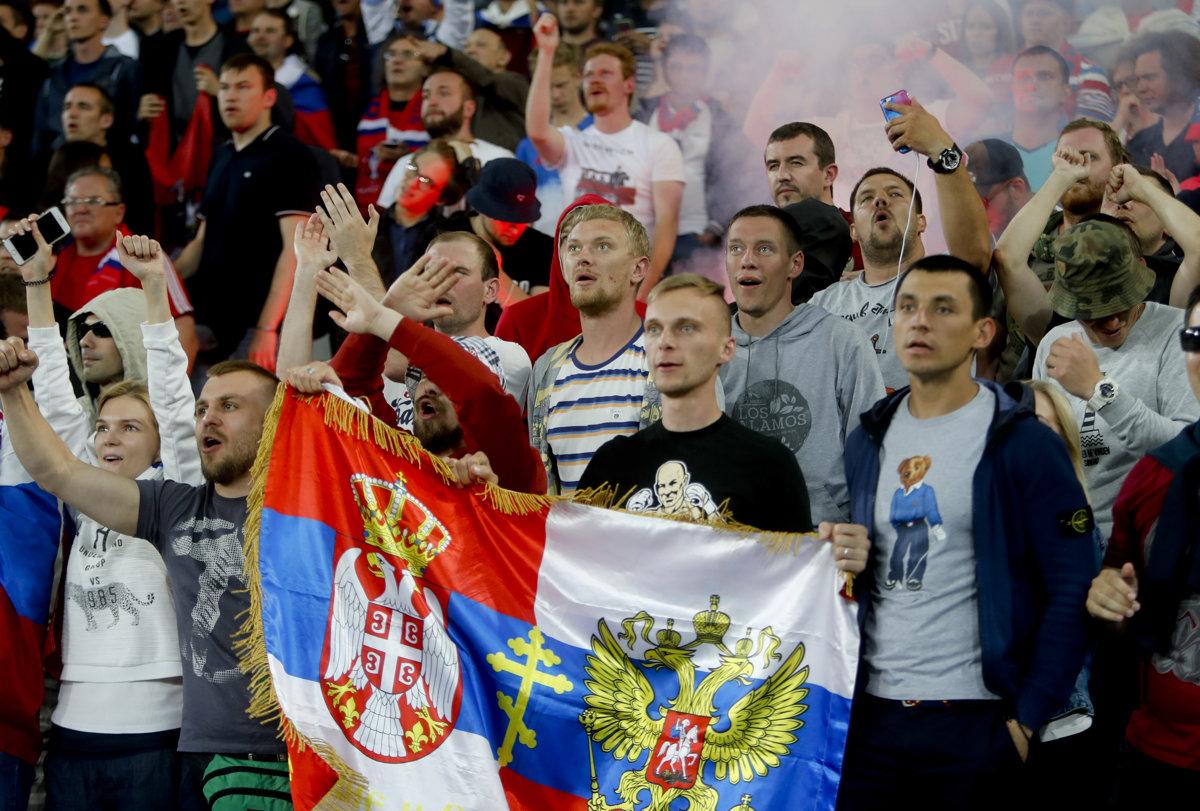 Zbožňujú Putina a nenávidia gejov. Ruskí ultras nie sú obyčajní fanúšikovia