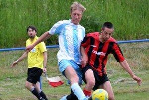 Kanonier Lipovca Viktor Rác strelil v zápase s Dubovým jedne gól, znižoval nám stav na 2:3, ktorý bol napokon aj konečný.