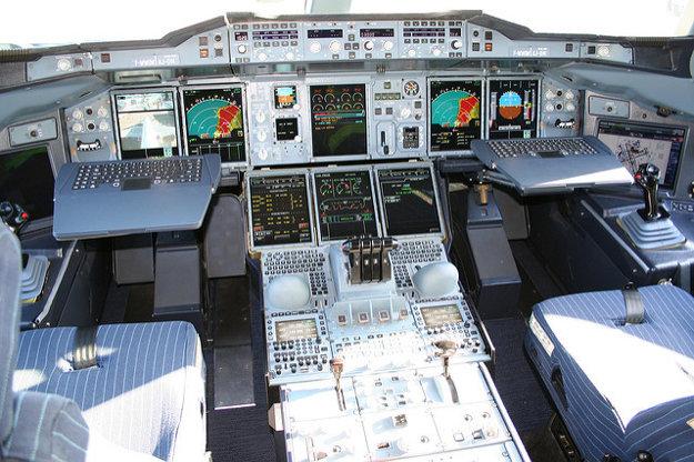 Pilotná kabína A380.