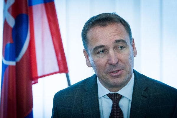 Minister dopravy, výstavby a regionálneho rozvoja SR Roman Brecely.