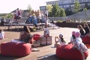 Čitáreň na terase ožila mladými umelcami.