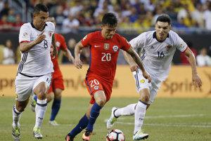 Charles Arangui (v strede) strelil prvý gól Čile.