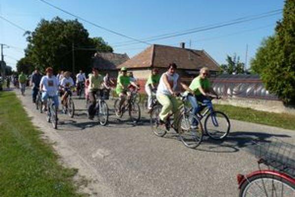 Do projektu Na kolesách proti rakovine sa v Hurbanove zapájajú od roku 2008.