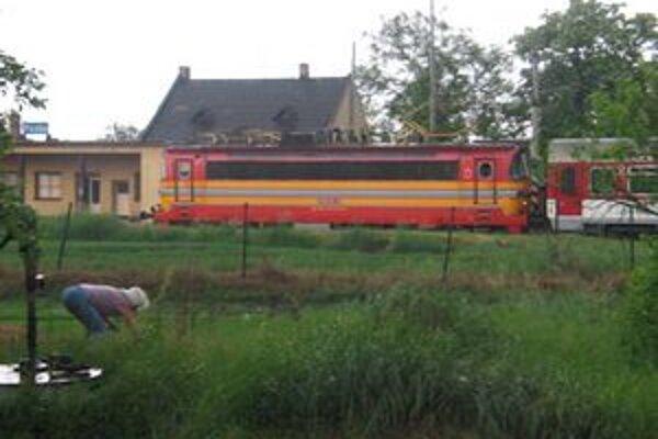 Našimi obcami bude opäť jazdiť menej vlakov.