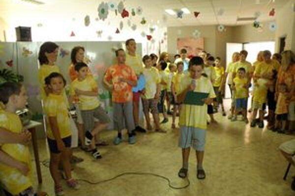 Kultúrny program pri slávnostnom otvorení centra.
