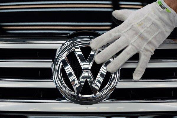 Veľký emisný škandál rieši už niekoľko týždňov automobilka Volkswagen na celom svete.
