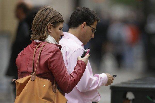 Pošta chce byť mobilným operátorom ešte pred Vianocami, keď ľudia často menia operátora a predlžujú zmluvy.
