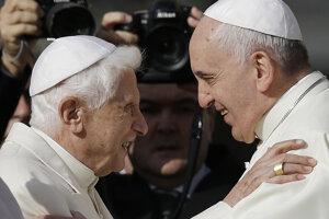 Emeritný pápež Benedikt sa stretol s Františkom.