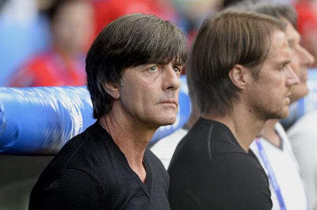 Joachim Löw (vľavo) prirovnal zápasy medzi Nemeckom a Talianskom ku káve.