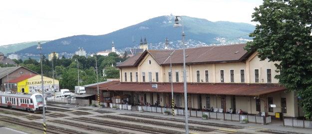 Železnice možno dajú zrekonštruovať historickú budovu, možno postavia novú.