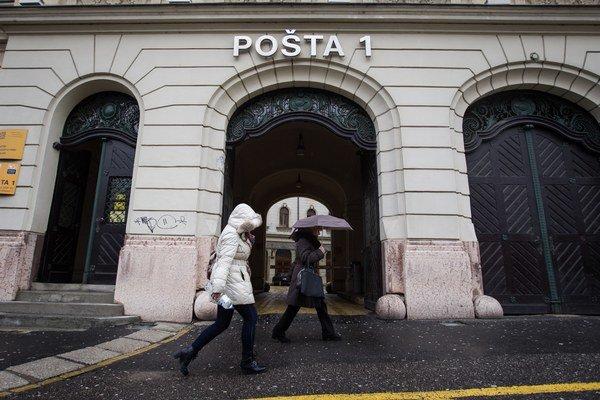 Pošta bude žiadosti vybavovať na svojich 150 pobočkách.