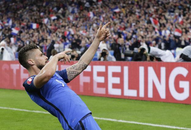 Giroud dal Islandu dva góly. Na ďalší prihral.