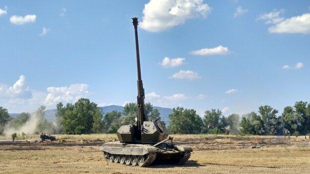 Samohybná kanónová húfnica T72/HIMALAYA.