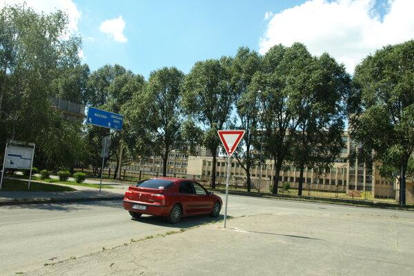 Do nového obchodného centra by mala viesť  cesta od Tamašovičovej ulice.