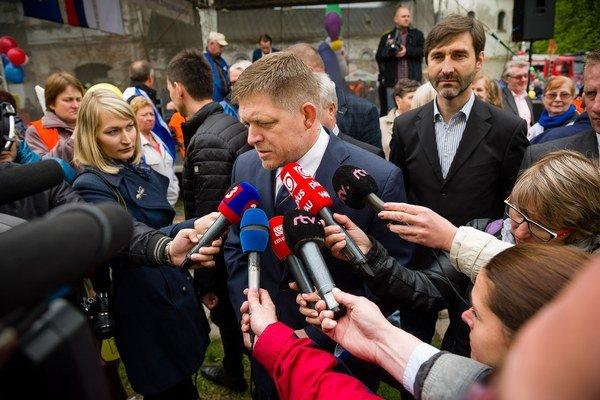 Robert Fico a jeho ministri sa dohodli, že na otázky niektorých médií je lepšie neodpovedať.