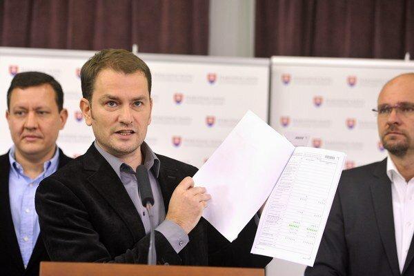 Predseda hnutia NOVA Daniel Lipšic, predseda hnutia Obyčajní ľudia a nezávislé osobnosti (OĽaNO) Igor Matovič a predseda SaS Richard Sulík.