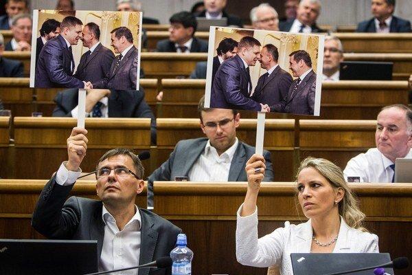 Parlament rokuje o odvolaní Jána Figeľa, na zákon o Váhostave neostal Smeru čas.