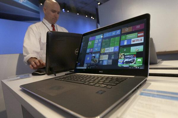 Za Windows 8.1 sme platili, aj keď nebolo treba. V tejto tradícii pokračuje aj s minister financií Peter Kažimír, ktorý ju ešte ako opozičný poslanec kritizoval.