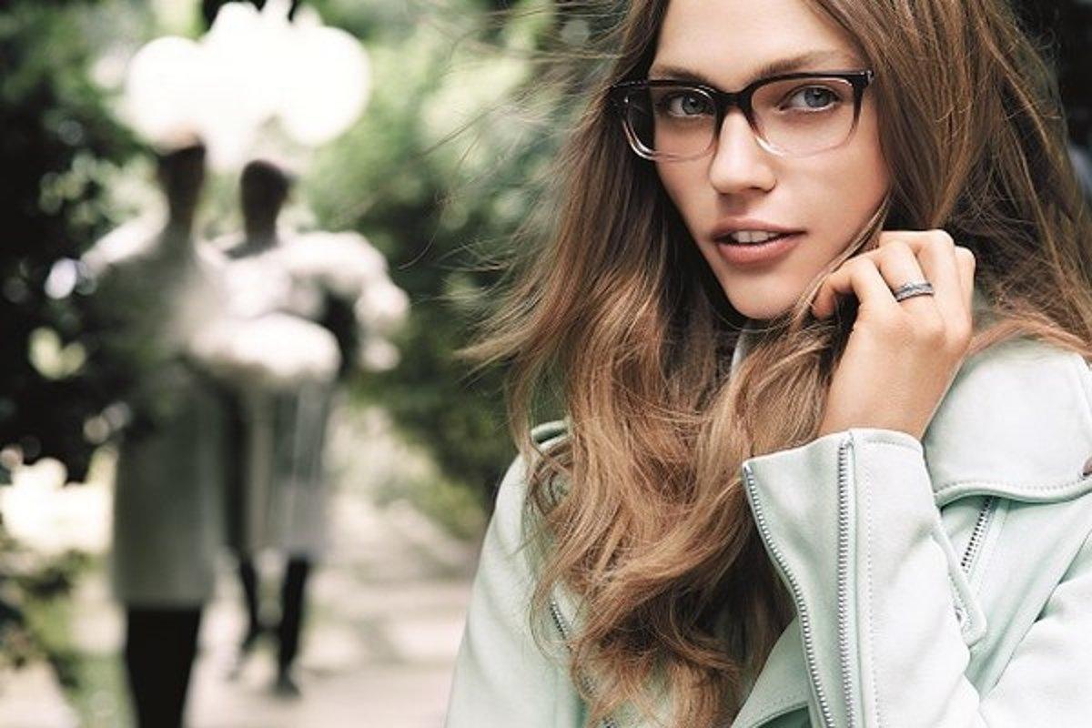 5d7f9afce Ako si vybrať okuliare? - Žena SME