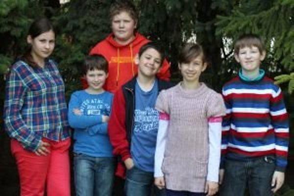 Zľava: Janka (12), Samko K. (11), Samko O. (12), Dominik (12), Katka (11) a Damián (11).