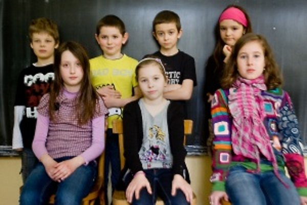 Hore zľava: Peťko (8) Maťko (8) Rudo (9) Luisa (9).Dole: Johanka (9) Anička (10) Terezka (9).