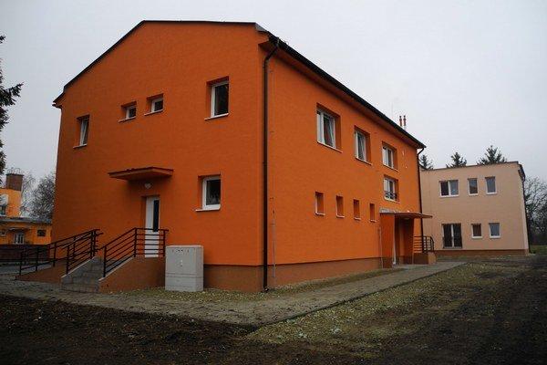 Školu v Sedliskách prestavali na nájomné byty.