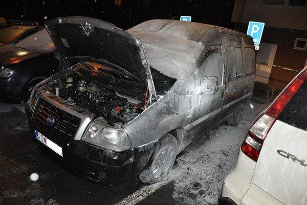 Prvé auto Fiat Scudo horelo koncom decembra na Mlynskej ulici.