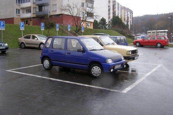 Parkovanie na vranovských sídliskách.