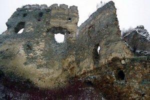 Časť zrúcanín hradu Čičva.