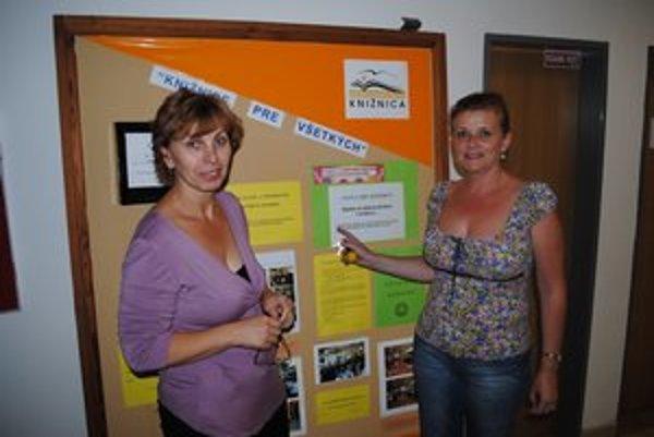 V knižnici. Mária Perejdová (vľavo) a Beata Ocilková.