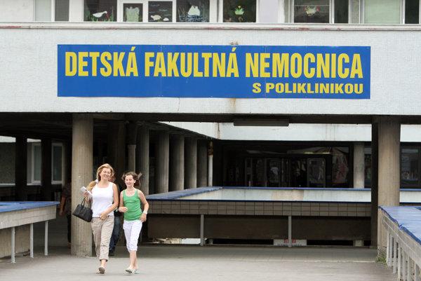 Primár urgentného príjmu Detskej fakultnej nemocnice v Bratislave Marcel Brenner sa vrátil do práce už po rozsudku prvostupňového súdu.
