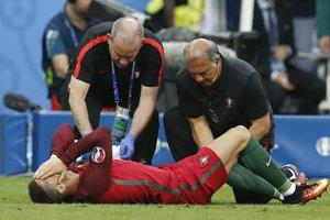 Ronaldo vo finále pokračovať nemohol, no jeho zranenie by nemalo byť vážne.