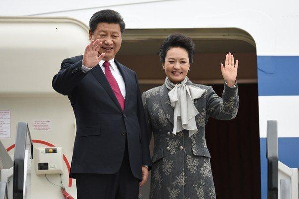 Čínsky prezident Si Ťin-pching a jeho manželka Pcheng Li-jüan