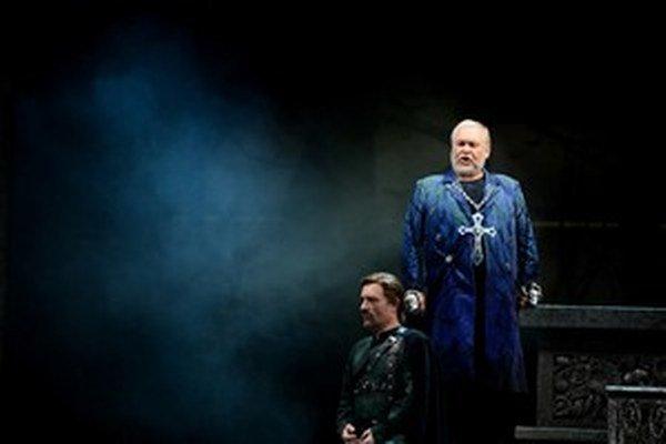 Peter Mikuláš  ako Filippo II. v opere Don Carlo.