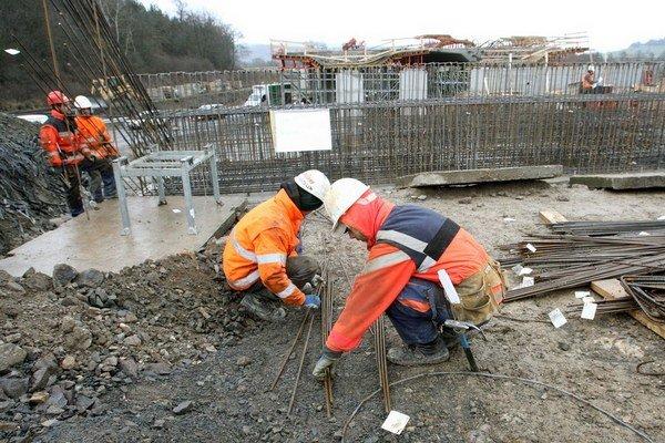 Tendre určujú aj staviteľov ciest.