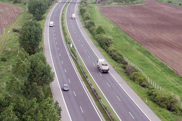 Pri stavbe diaľnic ceny počítajú s 10-percentnou rezervou. Čerpá sa z nej a pre tragédiu v Iliašovciach.
