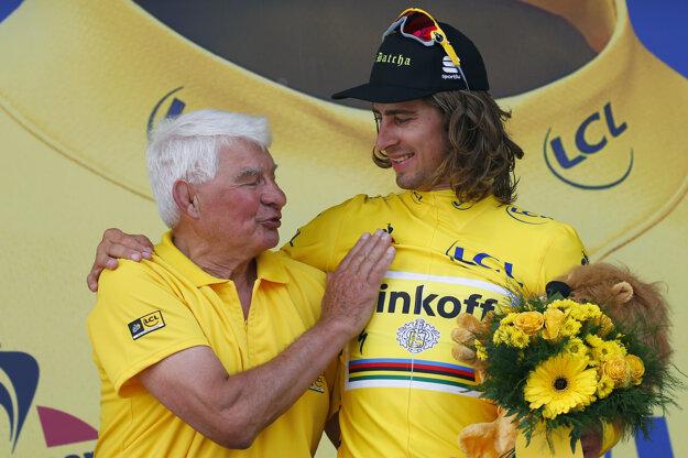 Peter Sagan (vpravo) strávil pár dní aj v žltom drese.