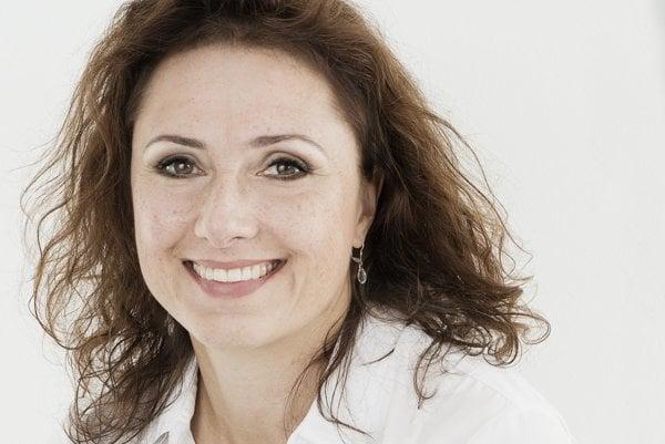 Zuzana Mauréry, činoherná, muzikálová aj filmová herečka. Vkinách sme ju nedávno videli vo filmoch Ďakujem, dobre, Colette, Vojtech, Učiteľka.