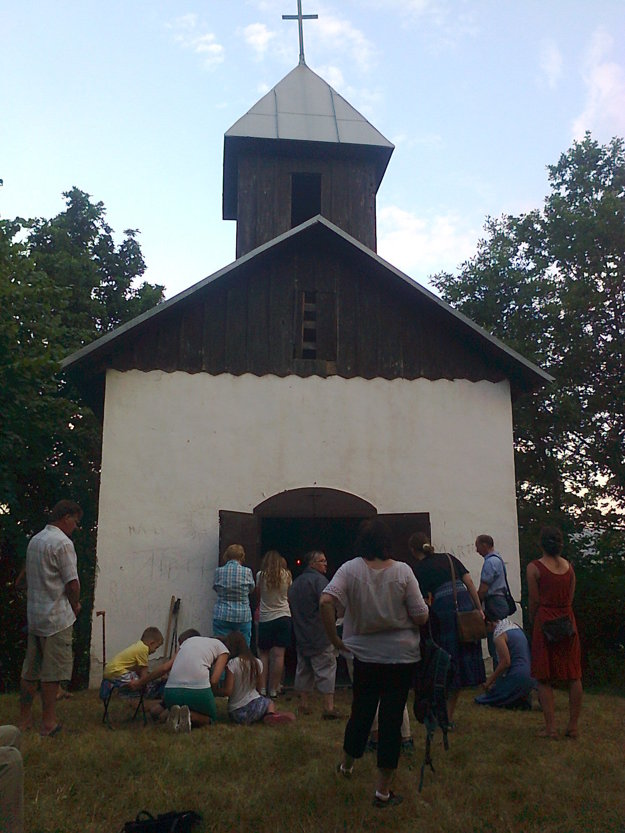 Kaplnku na Skalke využíva cirkev na omše a bohoslužby.