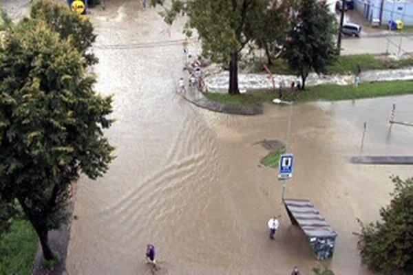 Zabrániť povodniam mali ďalšie protipovodňové opatrenia.