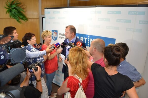 A. Hrnčiar vysvetľuje aktuálne kroky mesta v riešení sporu súvisiaceho s pohľadávkou Lyžiarskeho strediska MH.