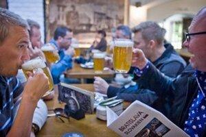 V mnohých baroch a reštauráciách je pohár piva lacnejší ako pohár vody či nealkoholických nápojov.