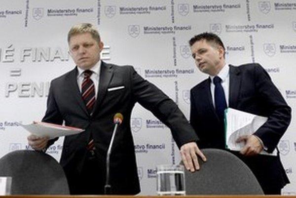 Ficova, ale aj Radičovej vláda vyberala advokátov pre arbitráže bez súťaží.