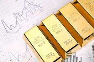 Ceny zlata sú zhruba 350 dolárov pod hranicou, ktorú malo podľa odhadov na tento rok prekonať.
