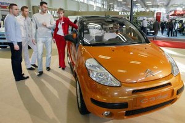 Na nové autá môže byť nová daň.