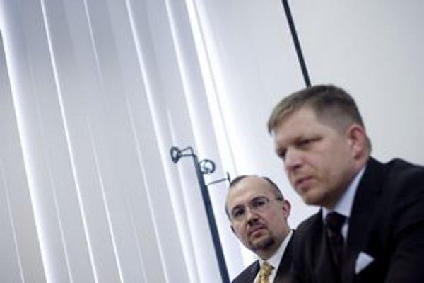 O odtajnení informácií rozhodol Fico po stretnutí so šéfom hmotných rezerv Kajetánom Kičurom.