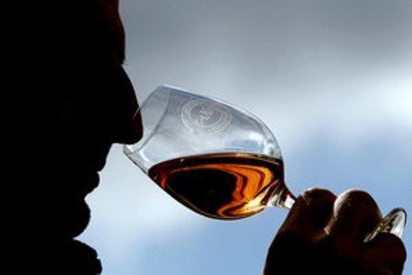 Tiché víno môže zdražieť. Vláda uvažuje, že ho zdaní.