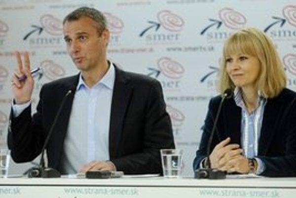 Zuzana Zvolenská a Richard Raši kritizovali Uhliarikovo vedenie rezortu zdravotníctva.